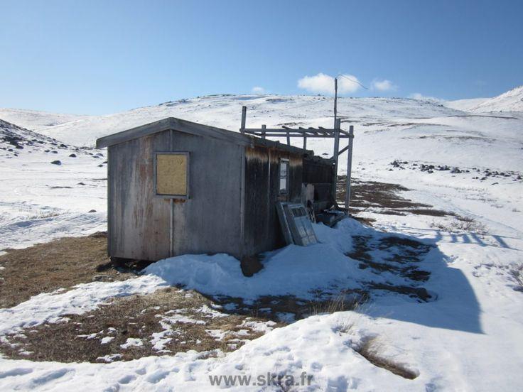 La hutte abandonnée au cœur du Groenland