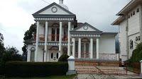 villa pemandangan indah untuk keluarga di lembang