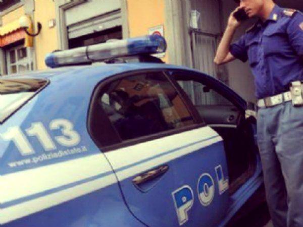 Un uomo è stato ucciso a colpi di pistola in strada a Piacenza. E' accaduto davanti al bar Baraonda in via Colombo   http://tuttacronaca.wordpress.com/2013/09/01/omicidio-in-strada-a-piacenza-davanti-a-un-bar-affollato/