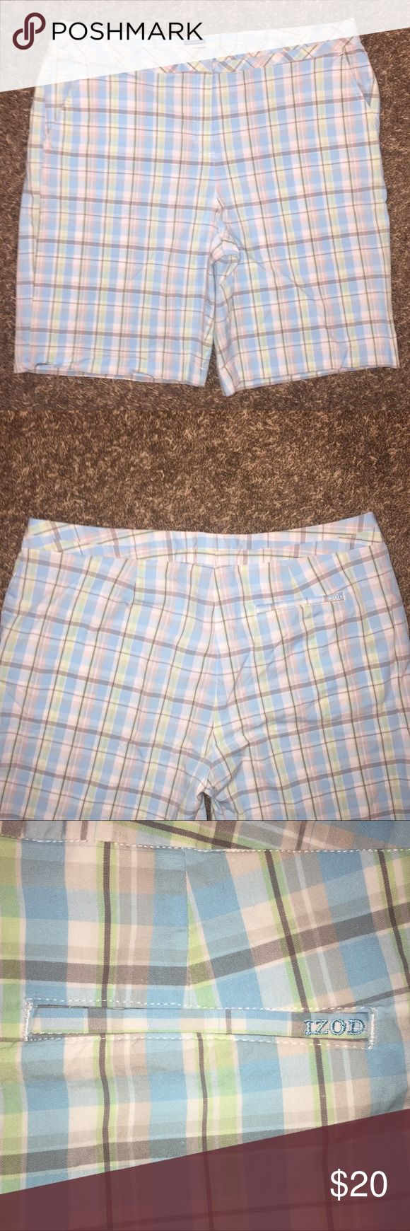 Women's Izod size 14 gold shorts Excellent condition.  No rips or stains.  Pet and smoke free home. Izod Shorts