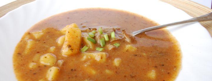 Zdravá gulášová polévka