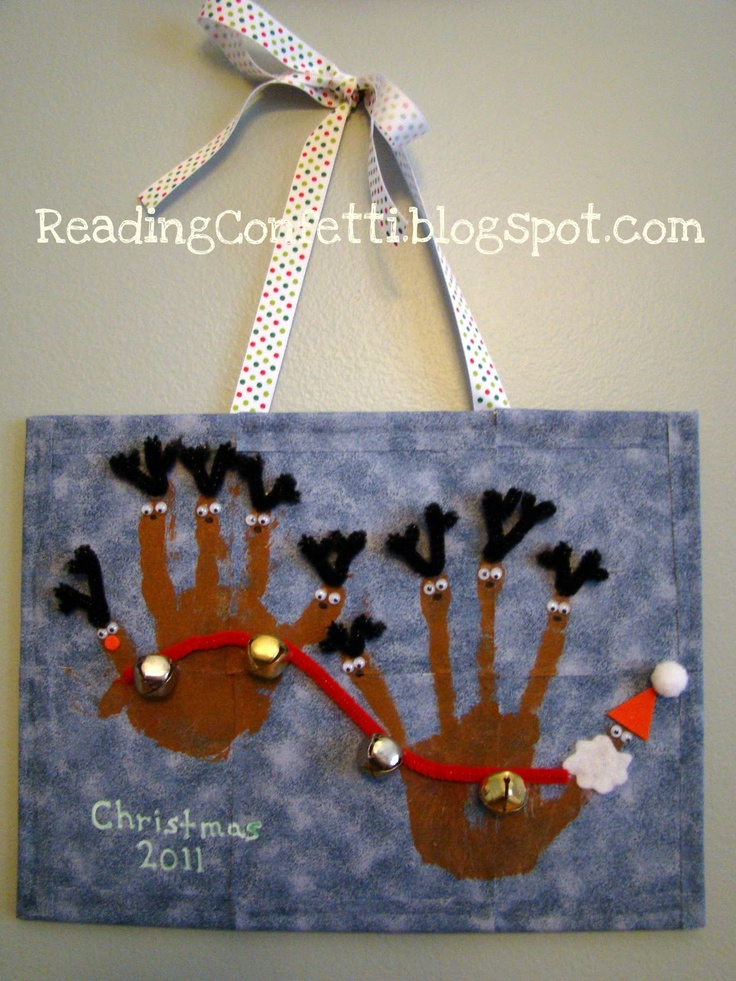 delicateCONSTRUCTION: Santa and Reindeer Handprint Craft from Reading Confetti {Homemade in December}