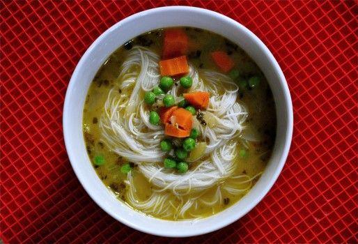faux-chicken-rice-noodle-soup1