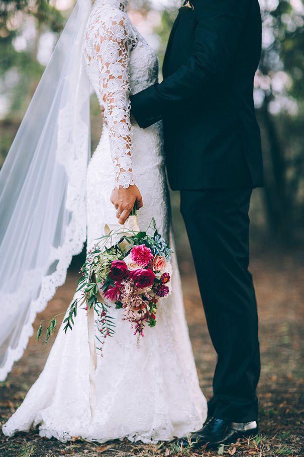 Idei de sedinta foto de nunta   Romantic wedding photos ideas   Cute creative poses   Wedding Photos                                                                                                                                                                                 More