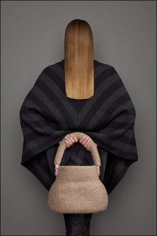 "Tas van de collectie ""NO machines BY HAND"". Design Buddhi Tassen"