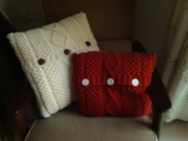 Knitted cushions 2
