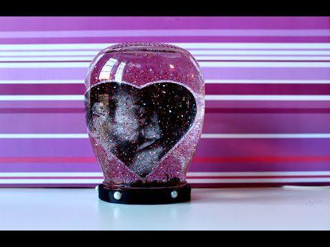 Riciclo creativo: da barattolo di vetro a palla di glitter con foto bellissimo e economico - Guardalo