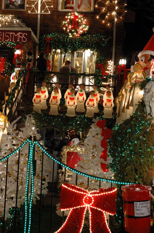 christmas lights in dyker heights brooklyn visit believe in the magic of christmas - Christmas Lights In Brooklyn
