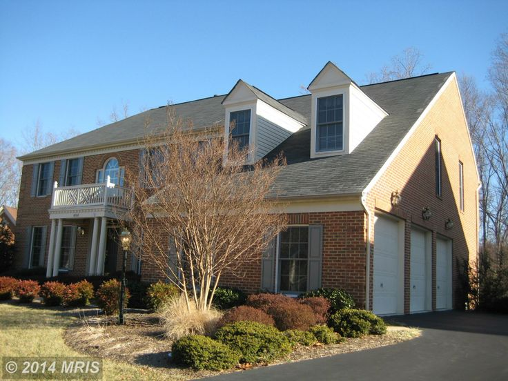 Home of the day this home has it all 3 car side load for 3 car side load garage