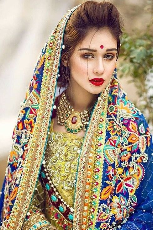 Pakistani designers. Punjabi phulkari inspired embroidery.