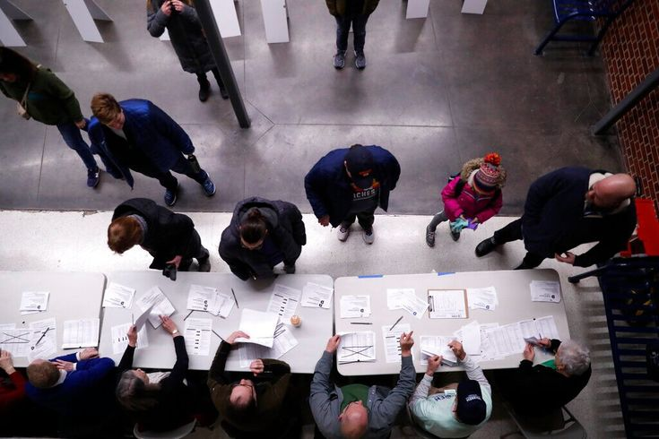 FOX NEWS Iowa caucuses in chaos as Democrats' vote
