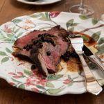 Scopri come preparare la tagliata di manzo al ginepro, un secondo piatto a base di carne, facile da realizzare e pronto in pochi minuti.