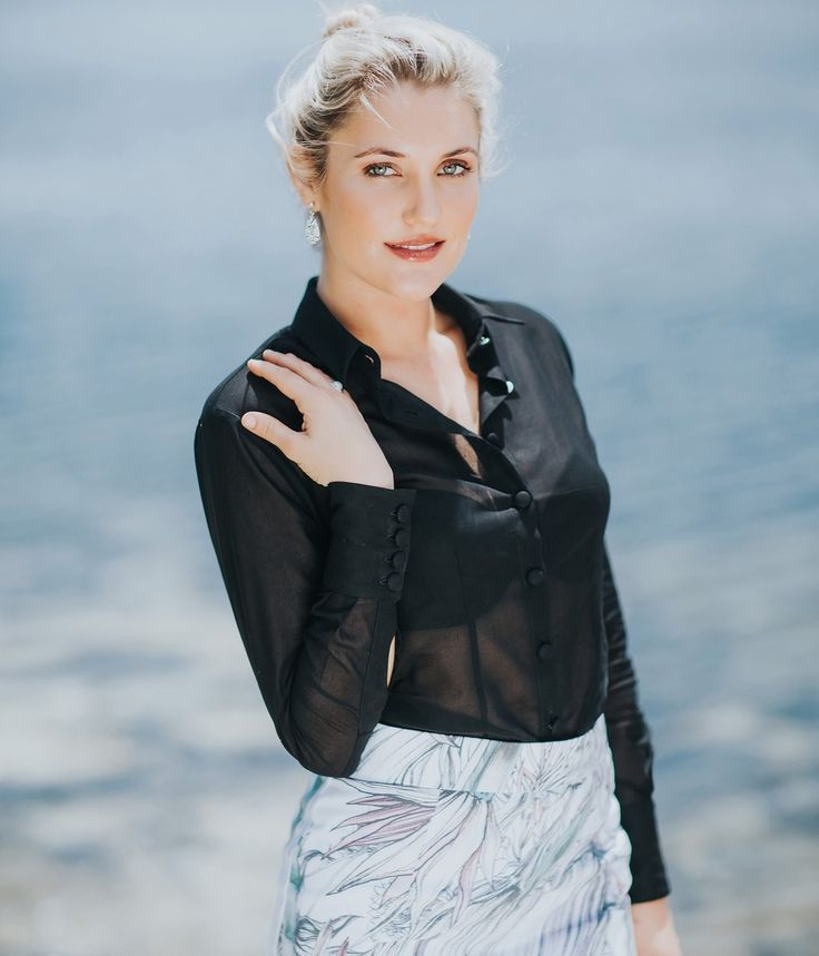 Venice Womens Business Shirt #theshirtmuse #blackblouse #blouse #corporatefashion
