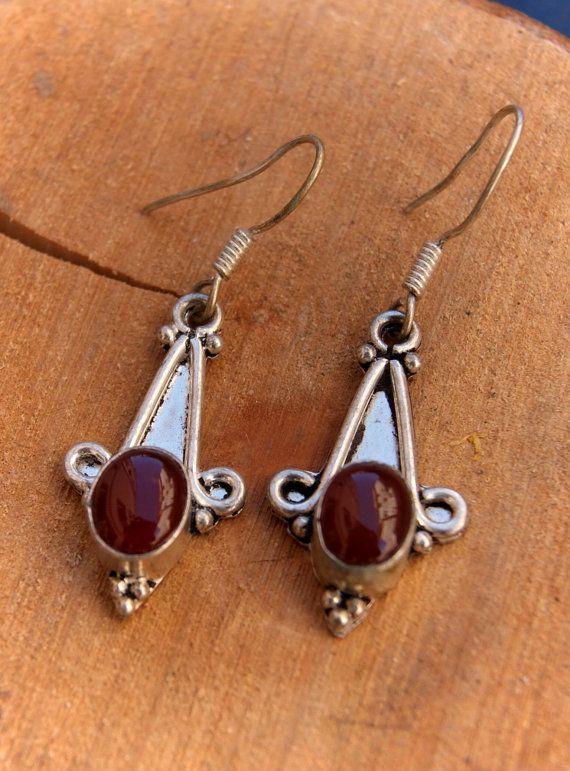 Sterling silver garnet earrings semi precious stone di ShockedShop