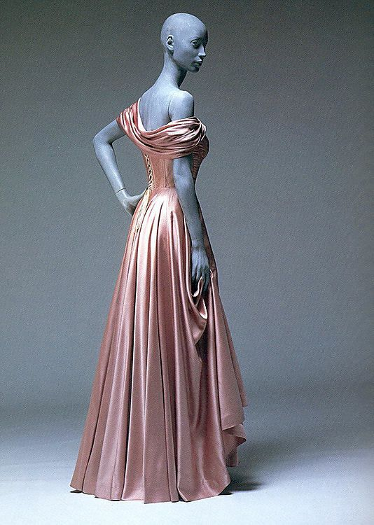 Dress, Evening  Jacques Fath (French, 1912–1954)  Design House: House of Jacques Fath (French, founded 1937) Date: spring/summer 1947 Culture: French Medium: silk Dimensions: Length at CB: 52 in. (132.1 cm) Credit Line: Gift of Richard Martin, 1993