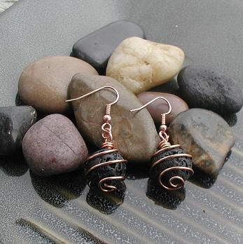 How to Cage Stones - Free tutorial on how to make a lovely pair of dangle swirled cage earrings =)