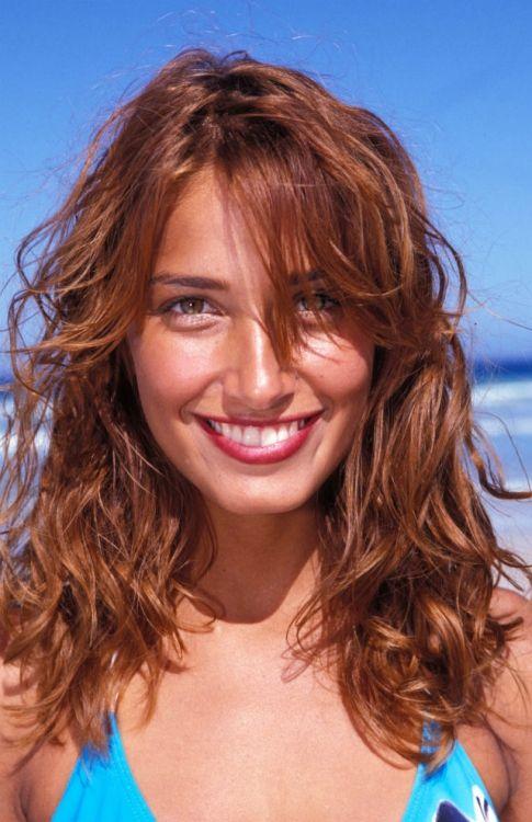 Renunţă la vopseaua de păr! Cum să obţii reflexe castanii sau arămii cu ajutorul cafelei | STAR NEWS | AntenaStars.ro