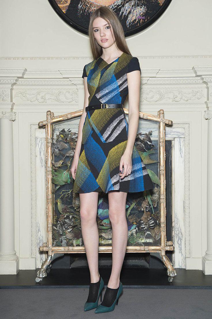 Roland Mouret Pre-Fall 2015 Runway – Vogue