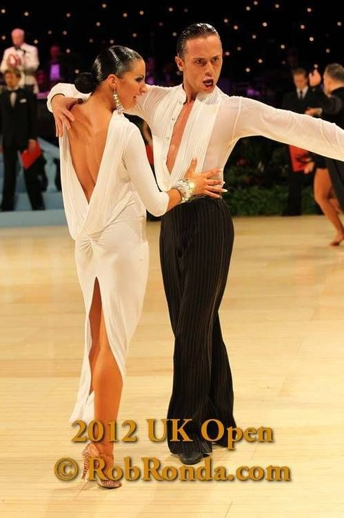 Yello n white dress dance