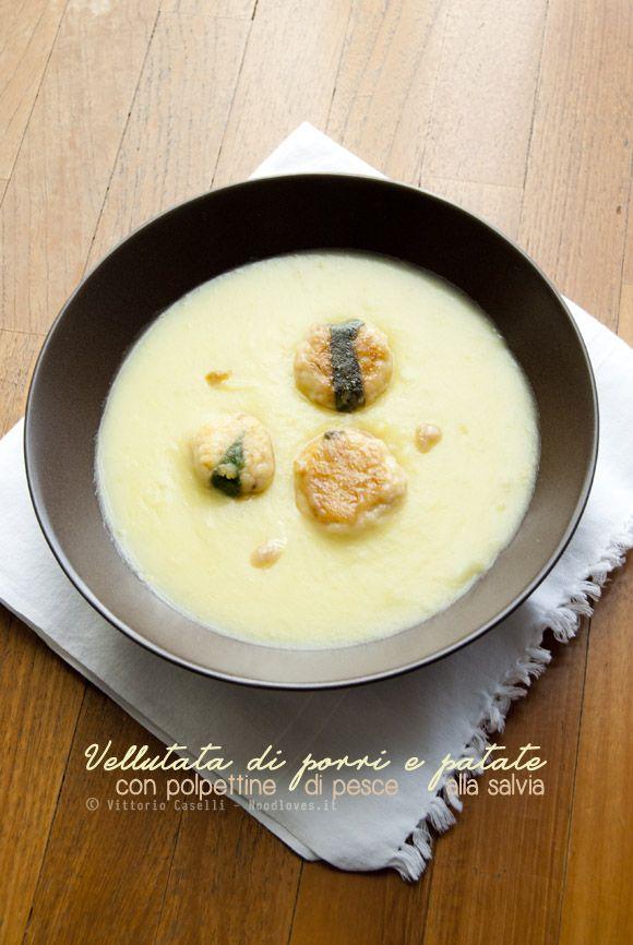 Due preparazioni ottime di per sé, ma che insieme danno il massimo.. Un piatto dai sapori perfettamente equilibrati (e buonissimi)!  Vellutata di porri e patate con polpettine di pesce alla salvia e pecorino La #ricetta la trovate su: http://noodloves.it/vellutata-porri-e-patate-polpettine-pesce/  #Vellutata #Porri #Patate #Polpette #Pesce #Salvia #Inverno