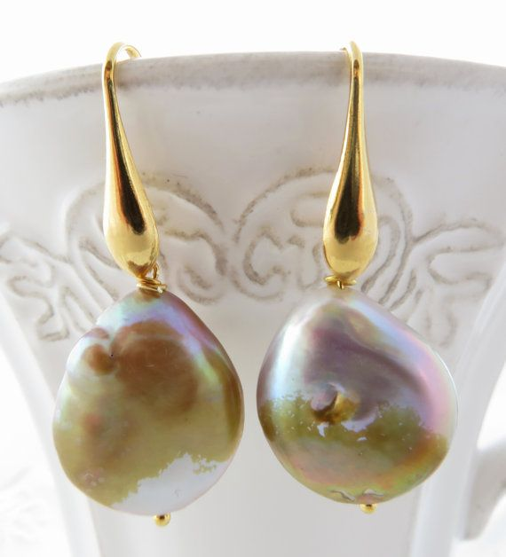 Flameball pearl earrings baroque mauve pearl by Sofiasbijoux