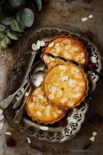 La tarta bakewell es una de mis favoritas, sin duda. Es originaria de Gran Bretaña y consiste en una base de masa quebrada o brisa, cu...