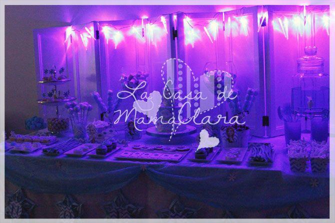 Decoración de la mesa dulce de Frozen para la  celebración del 4º cumpleaños
