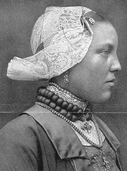 Dutch woman,1900s