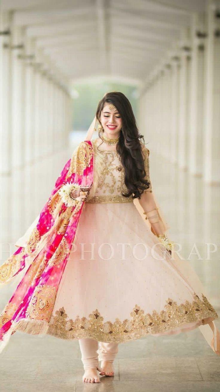 Beautiful Dresses To Wear To A Wedding Pakistani – DACC