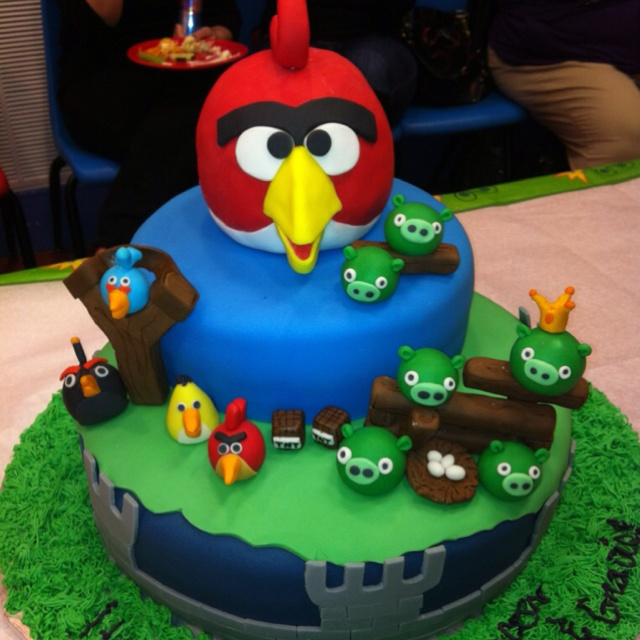 1000 images about cake angry birds on pinterest for Angry birds cake decoration kit