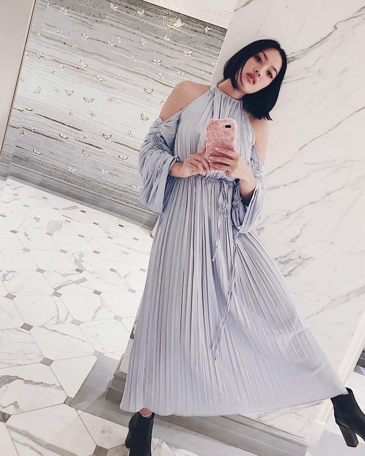 Warehouse cold shoulder pleated dress worn by Tiffany Hsu.