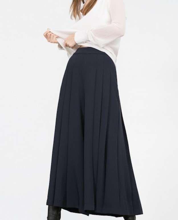 Boutique en ligne 55b47 69f7d Falda larga negra Zara   Botones en 2019   Faldas largas ...