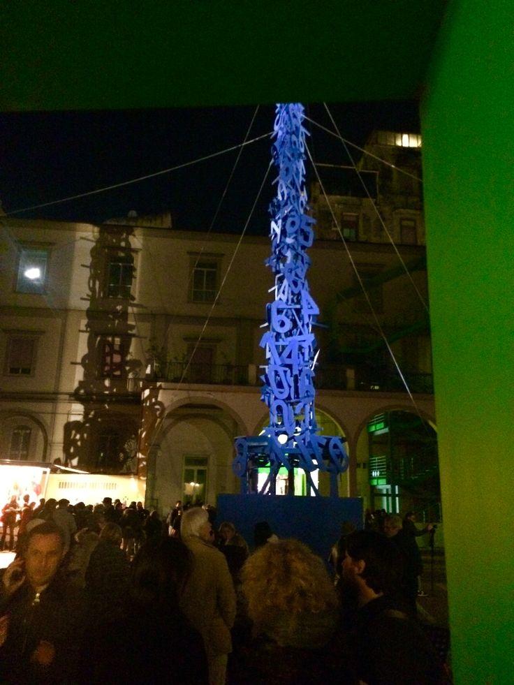 """L'albero sono di Mimmo Paladino. Il nome dell'opera """"ho perso il conto"""" #hopersoilconto #mimmopaladino #napoli #arte #cultura #foqus #cicelyn #pinterest #instagram #facebook"""