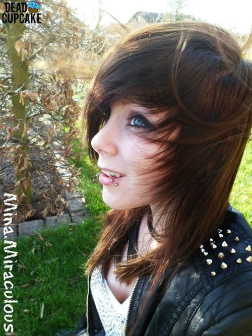 If my friend lance was a girl this is wat he would look ...