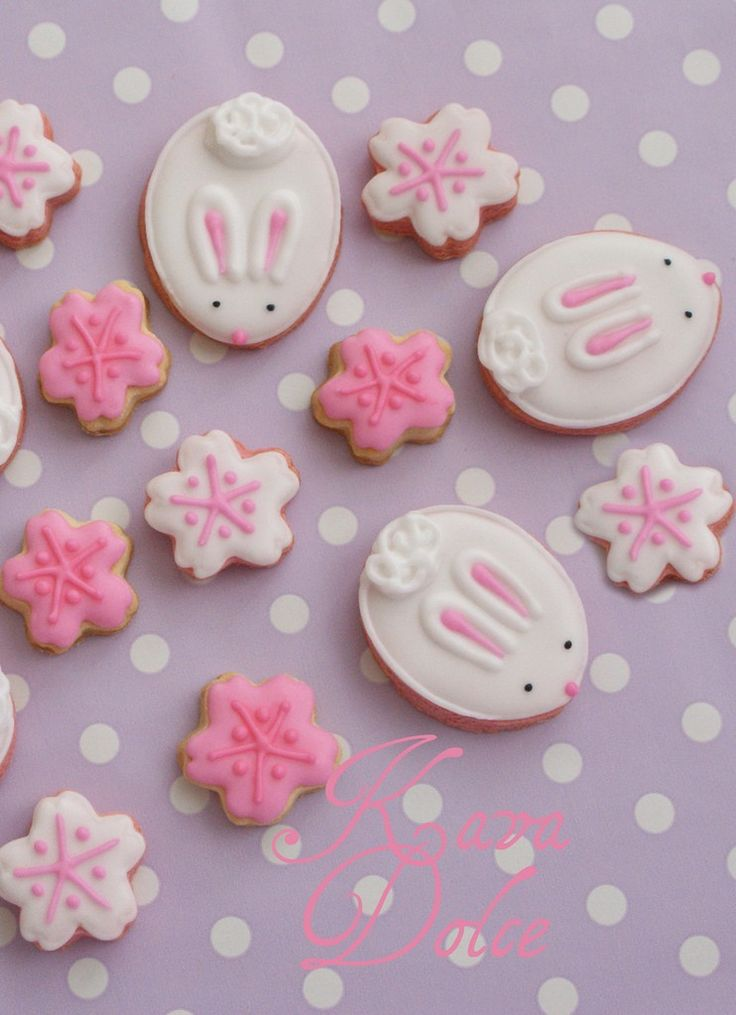 Easter egg cookie inspiration, Little Easter bunny cookies, Pastel pink snowflake Easter food ideas #2014 #easter #egg #bunny #cookies www.loveitsomuch.com