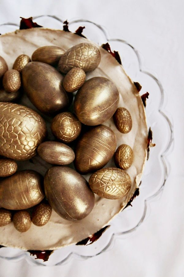 Eastercake with chocolate eggs