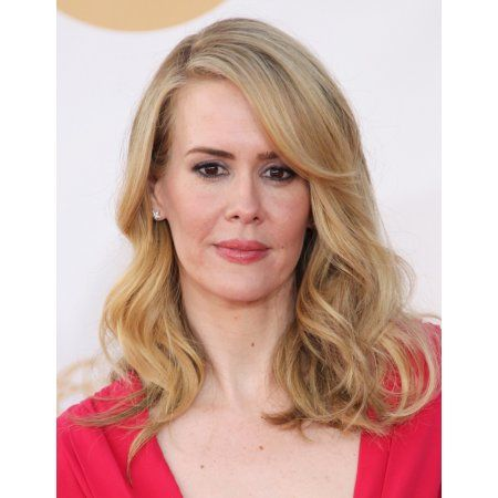 Sarah Paulson At Arrivals For The 65Th Primetime Emmy Awards - Arrivals 2 Canvas Art - (16 x 20)