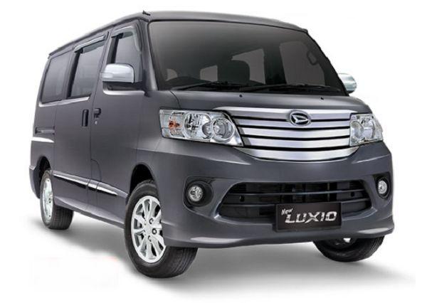 Salah satu pesaing di kelas mobil murah untuk keluarga adalah mobil Luxio keluaran pabrik Daihatsu.