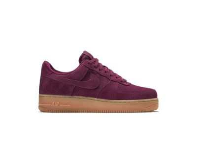 buy popular 16512 66348 Nike Air Force 1 07 Suede Women s Shoe   Wine   Nike shoes, Shoes und  Sneakers nike