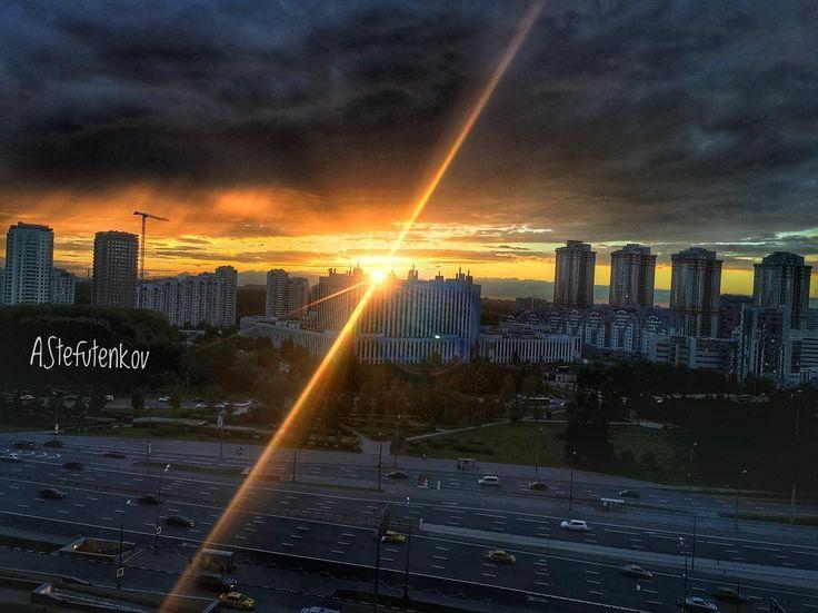 Закат. Вид из окна. #photooftheday #photographer #photography #photo #2017 #май #закат http://tipsrazzi.com/ipost/1523692258888937058/?code=BUlPgleFm5i