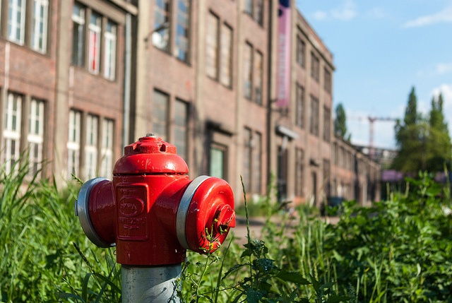 Red Red Hydrant by ohayojp, via Flickr