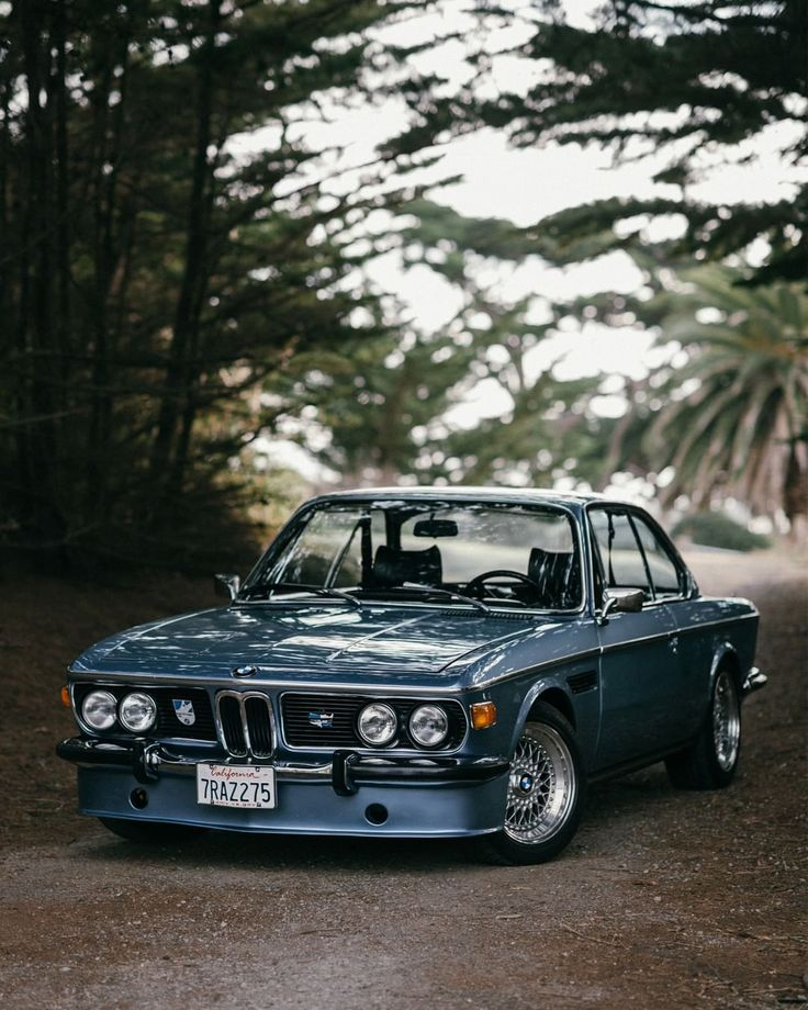 Love at first sight. ? This #BMW 3.0 #CSi (#E9) would be the car of choice for a lot of #classic BMW fans. #BMWClassic (?:@misscourtneymae)