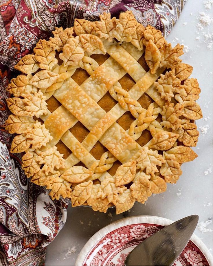 How gorgeous is this pie from @stacieflinner?! We hope you all have full bellies and full hearts from a day filled with family and food ❤️ Happy Thanksgiving from all of us at Martha Stewart!