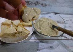 Dip de berenjena con queso cremoso a las finas hierbas