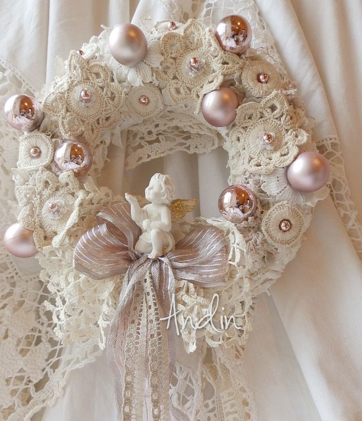 Wreath inspiration for Craft Fairs.  Love!