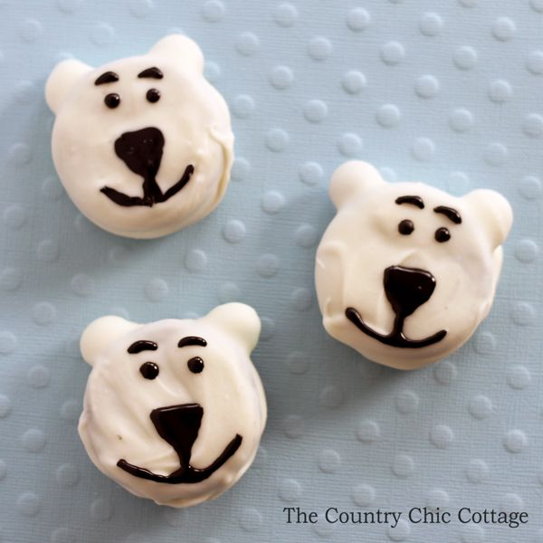 Make these cookies to celebrate the release of Norm of the North.  This is a fun family movie that the whole family will love and the cookies are simple!