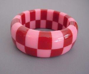 Shultz bakelite pink & red check bangle