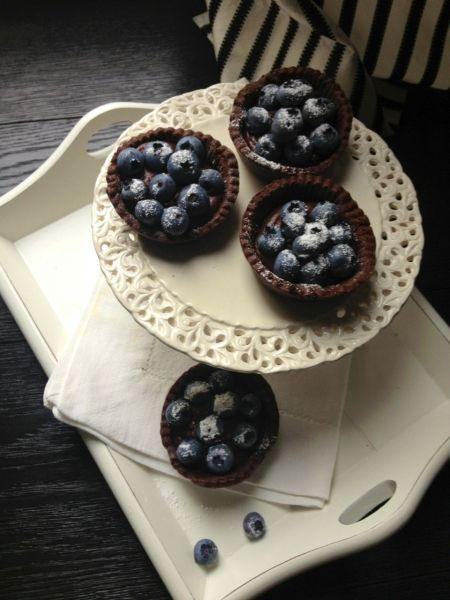 Ciocolato & mirtillo contro la pioggia estiva. La ricetta di Csaba e la teoria di Nigella Lawson e Brilla-Savarin - Elle