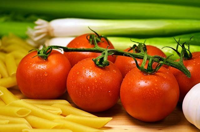 "Like vitamin E, lycopene found in notably high concentrations in tomatoes can help prevent ""free radical"" damage to brain cells. This potent antioxidant has been shown to ward off the type of  rognitive decline connected with the development of dementia, especially Alzheimer's."