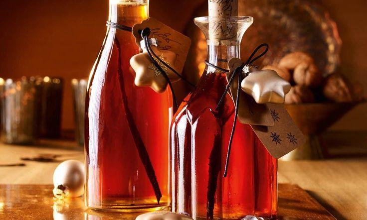Walnusslikör Rezept: Ein köstlicher Likör zum Verschenken oder Selbstgenießen in der Weihnachtszeit - Eins von 5.000 leckeren, gelingsicheren Rezepten von Dr. Oetker!